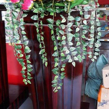 Lẵng hoa để bục Bác